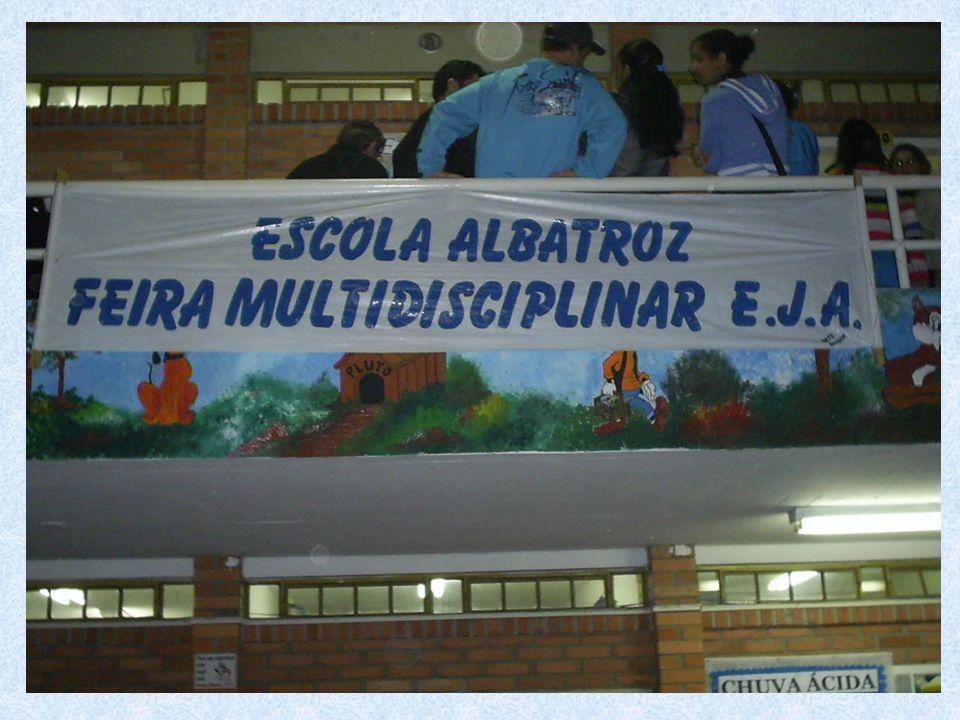 A EJA da Escola Albatroz também foi notícia em 2007 Ensinar os conteúdos das disciplinas de Ensino Médio não é o bastante.