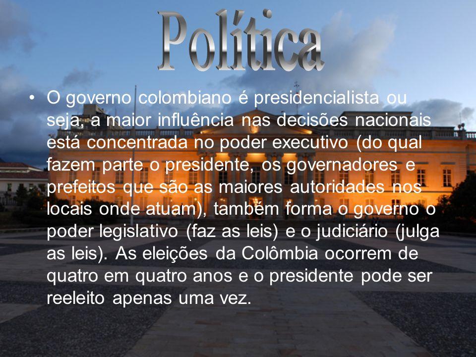 O governo colombiano é presidencialista ou seja, a maior influência nas decisões nacionais está concentrada no poder executivo (do qual fazem parte o