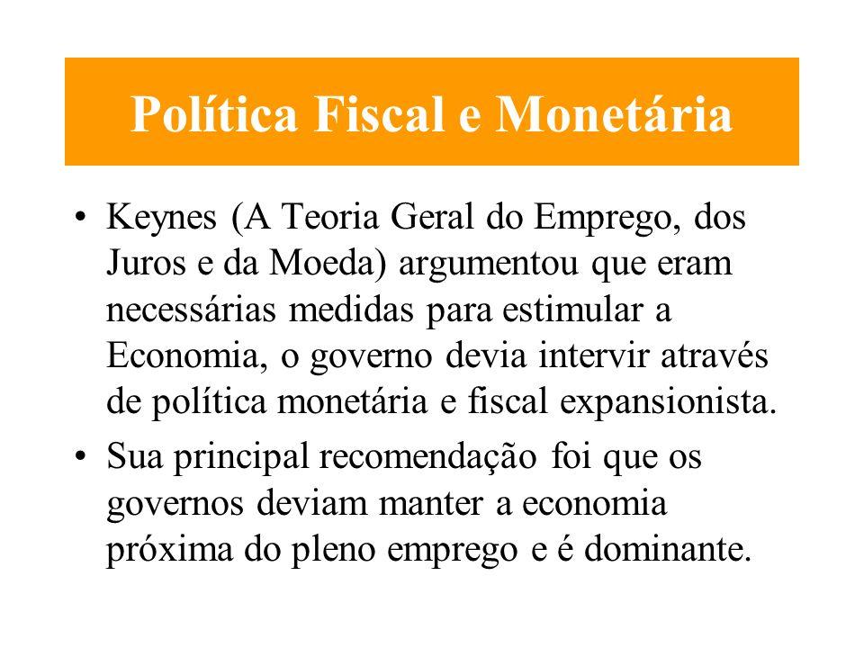 A Contabilidade Nacional O PIB - produto total é igual a renda total, que por sua vez é igual as varias formas de despesa e poupança. A idendidade da