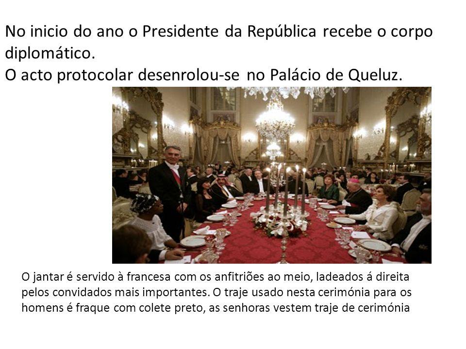 No inicio do ano o Presidente da República recebe o corpo diplomático.
