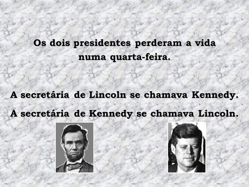 As esposas dos dois presidentes perderam filhos enquanto moravam na Casa Branca. Os dois presidentes foram assassinados com uma bala na cabeça.