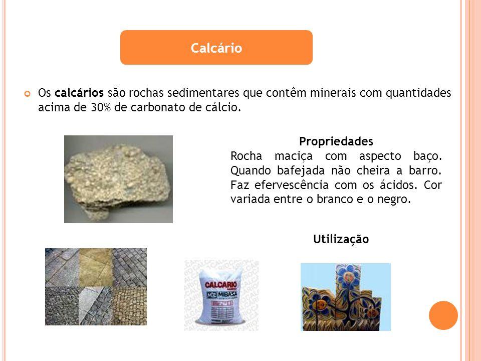 Os calcários são rochas sedimentares que contêm minerais com quantidades acima de 30% de carbonato de cálcio. Calcário Propriedades Rocha maciça com a