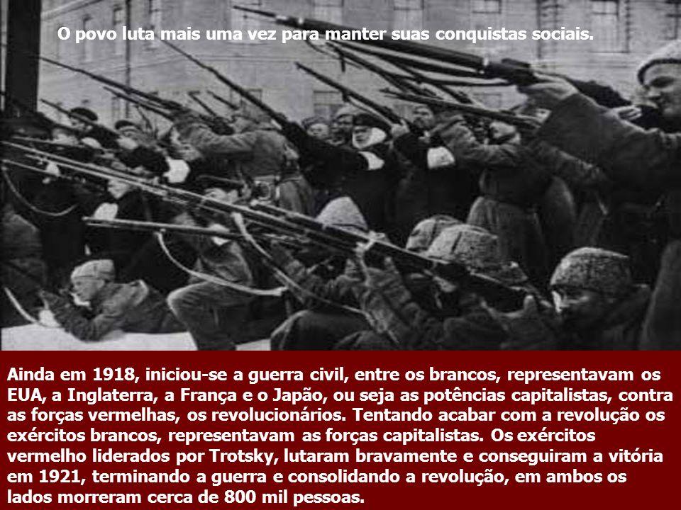 A Revolução de Outubro:1917 Com a derrocada do czar, estabeleceu-se o governo provisório liderado por Kerensky, um socialista moderado e simpático par
