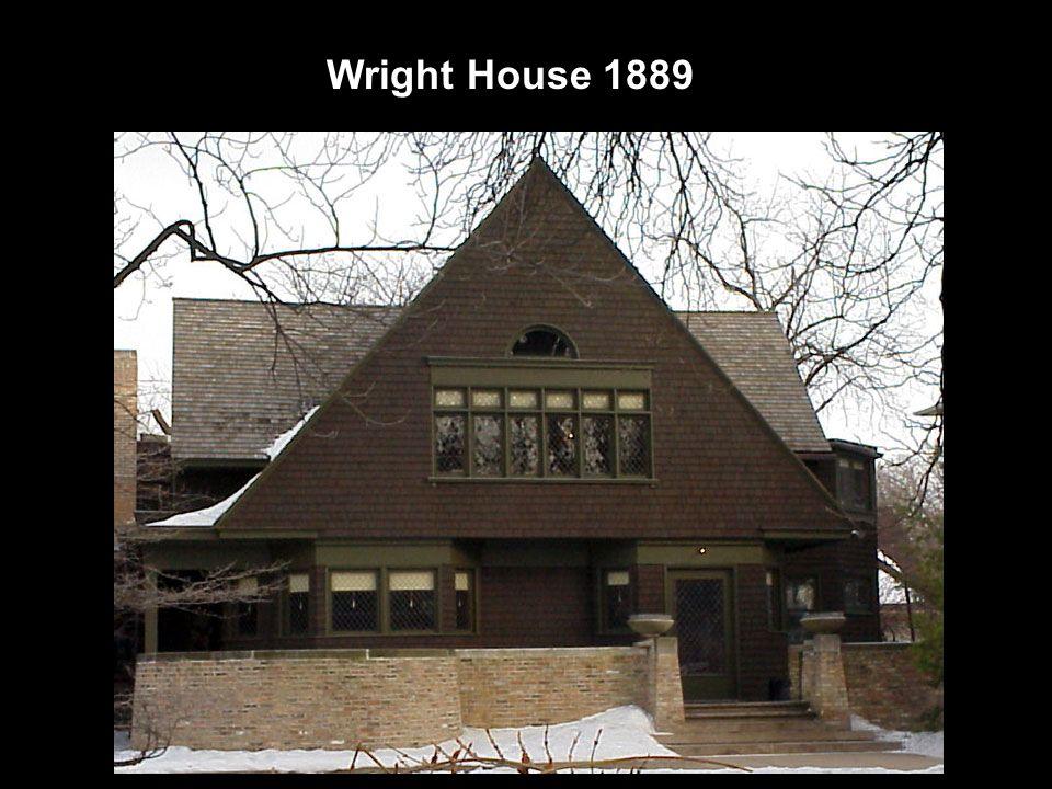 Sua primeira casa construida, para ele e sua mulher.