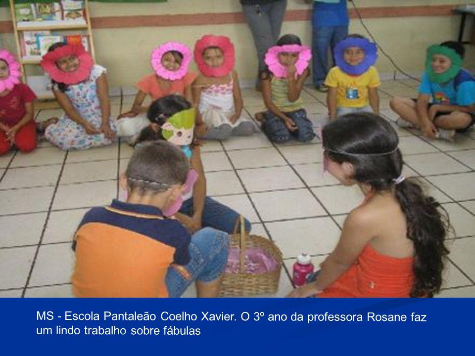 MS - Escola Pantaleão Coelho Xavier. O 3º ano da professora Rosane faz um lindo trabalho sobre fábulas