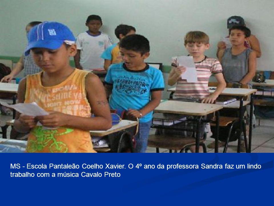 MS - Escola Pantaleão Coelho Xavier. O 4º ano da professora Sandra faz um lindo trabalho com a música Cavalo Preto