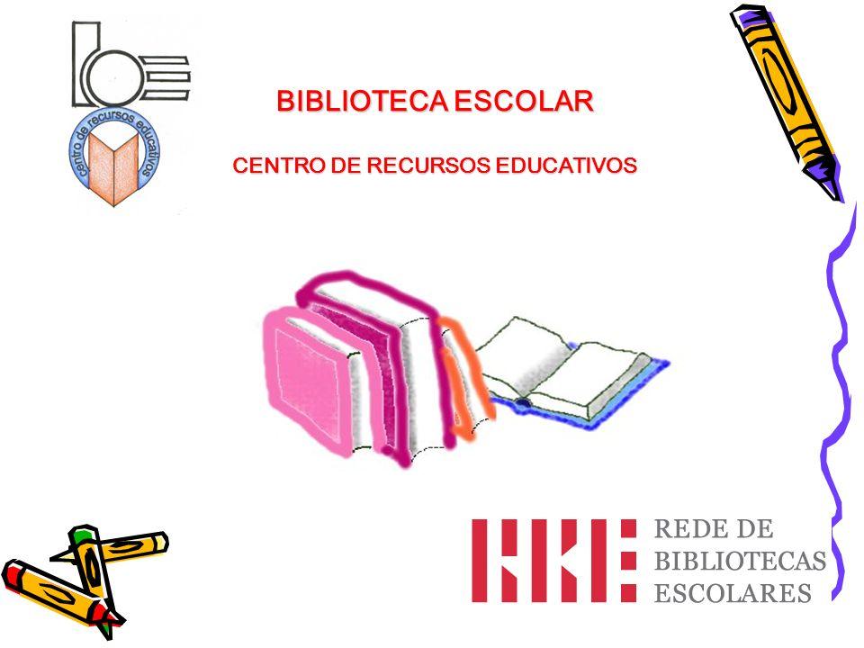 Já deves ter reparado que a arrumação dos livros obedece a uma certa ordem e que todos têm uma etiqueta com uma risca colorida (cota).