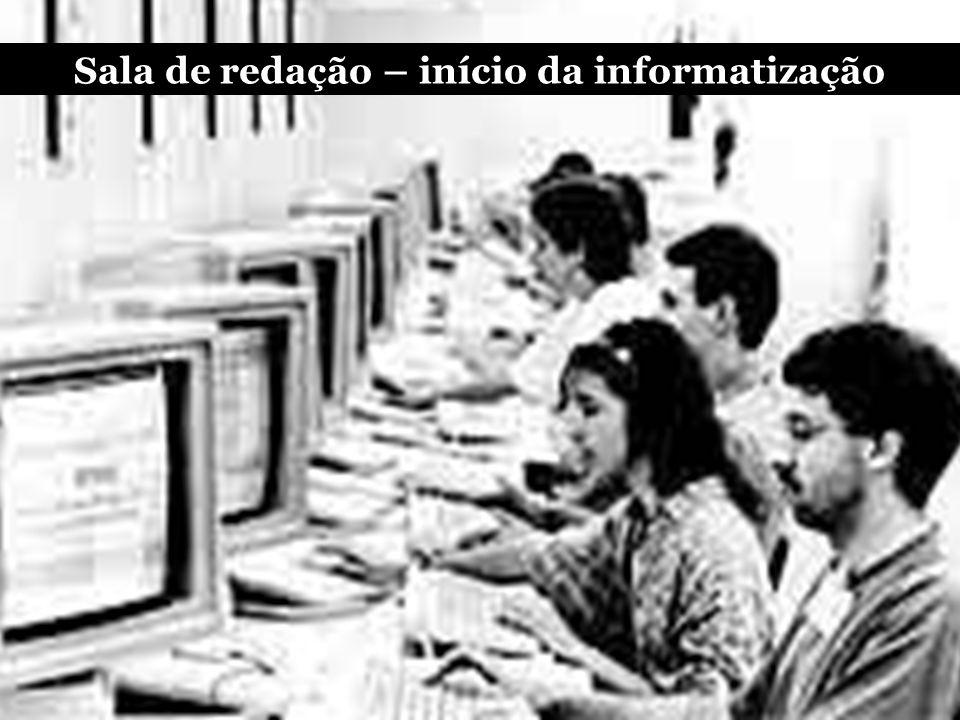 Buscar o furo na versão online e a complementação na impressa O flagrante, cada vez mais, será feito por amadores (cidadão repórter)