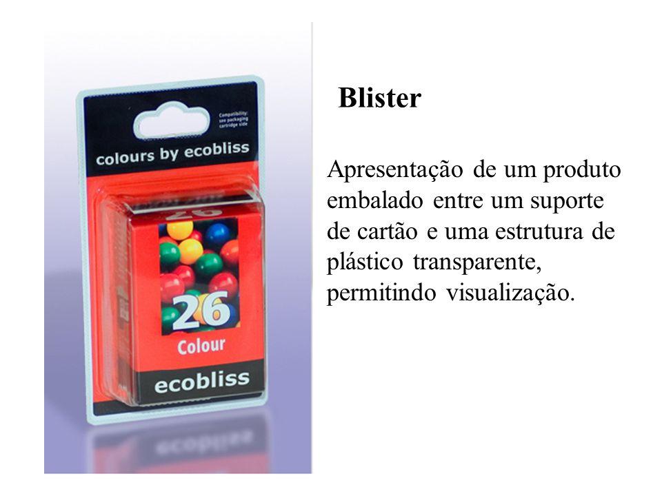 Blister Apresentação de um produto embalado entre um suporte de cartão e uma estrutura de plástico transparente, permitindo visualização.