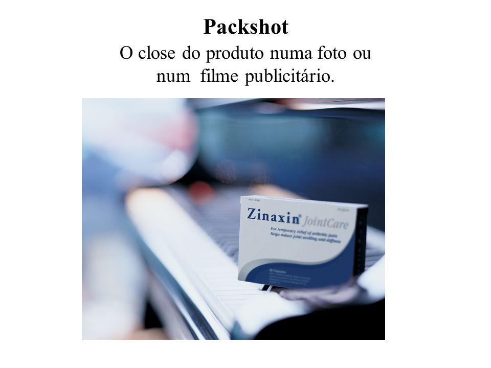 Packshot O close do produto numa foto ou num filme publicitário.