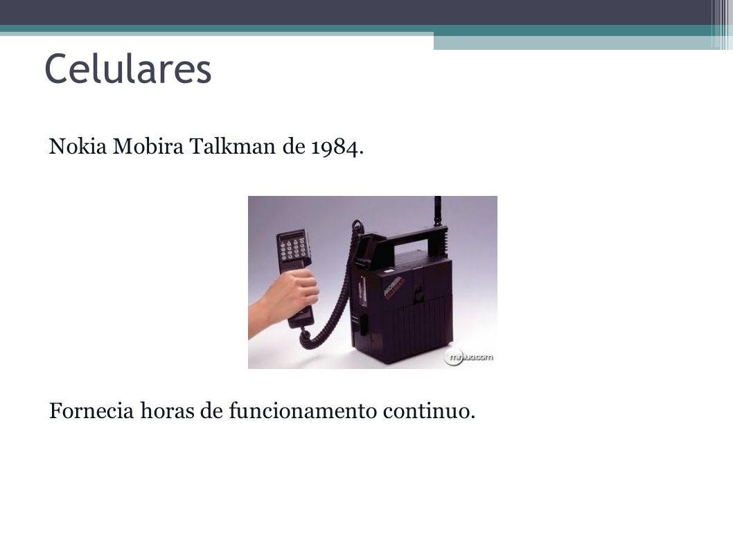 Celulares Motorola MicroTAC de 1989.