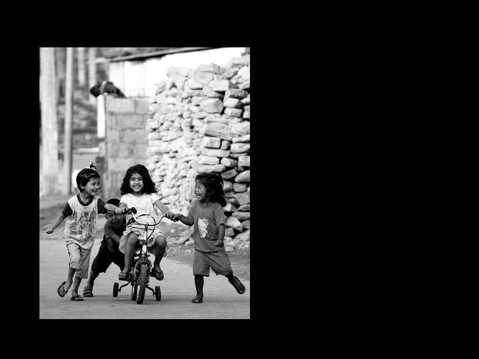 A criança é o amor feito visível. Novalis