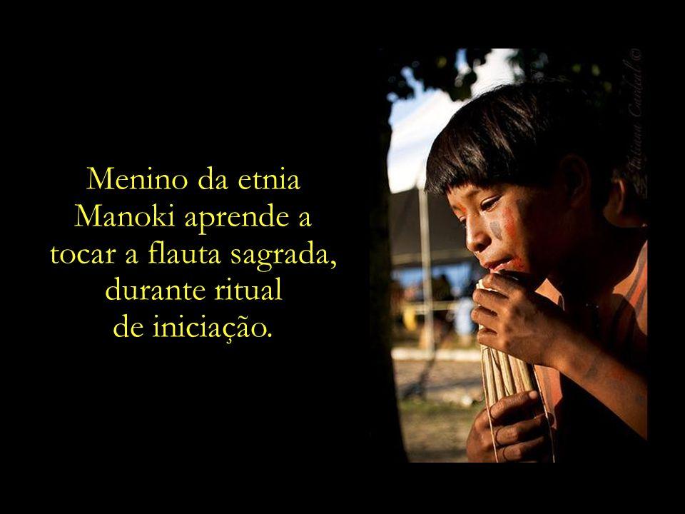 Menina da etnia Pai Tavyterã - Paraguai