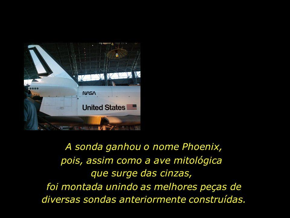 A sonda ganhou o nome Phoenix, pois, assim como a ave mitológica que surge das cinzas, foi montada unindo as melhores peças de diversas sondas anteriormente construídas.