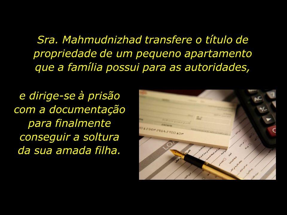 Em meados do mês de janeiro, três meses passados desde a prisão de Mona e seu pai, a mãe de Mona recebe a notícia de que sua filha fora julgada inocen