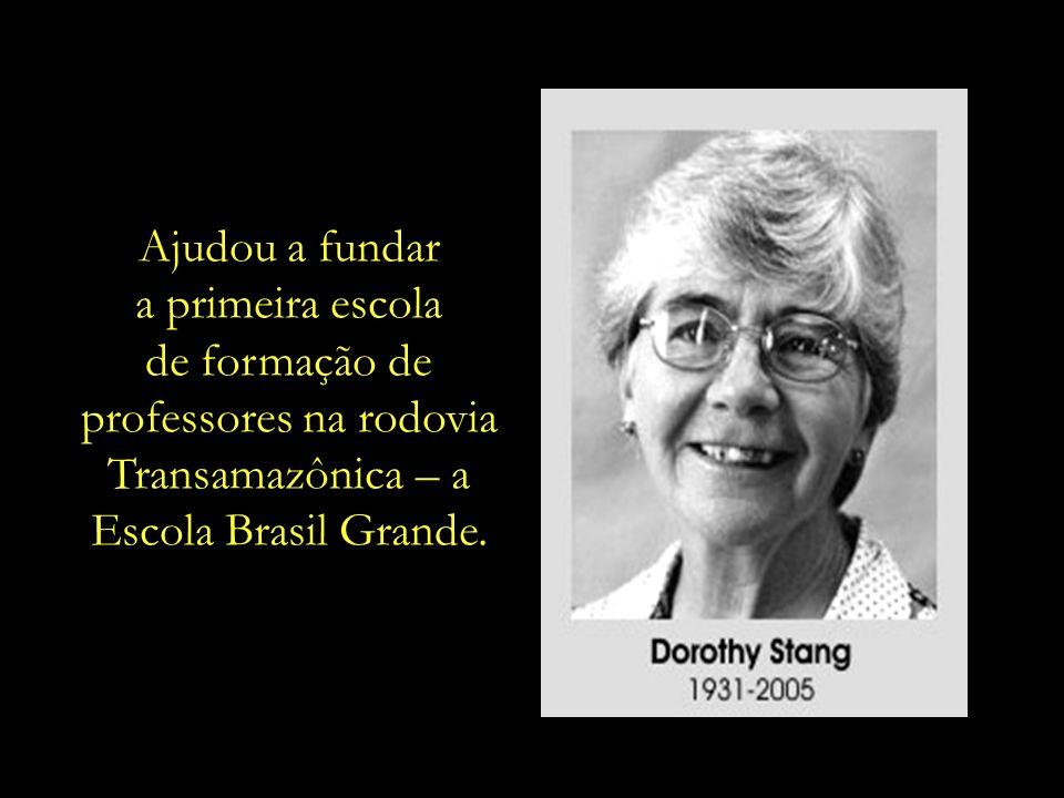 Implementou projetos de reflorestamento em áreas degradadas e promoveu a dignidade e a geração de emprego e renda para os mais empobrecidos.