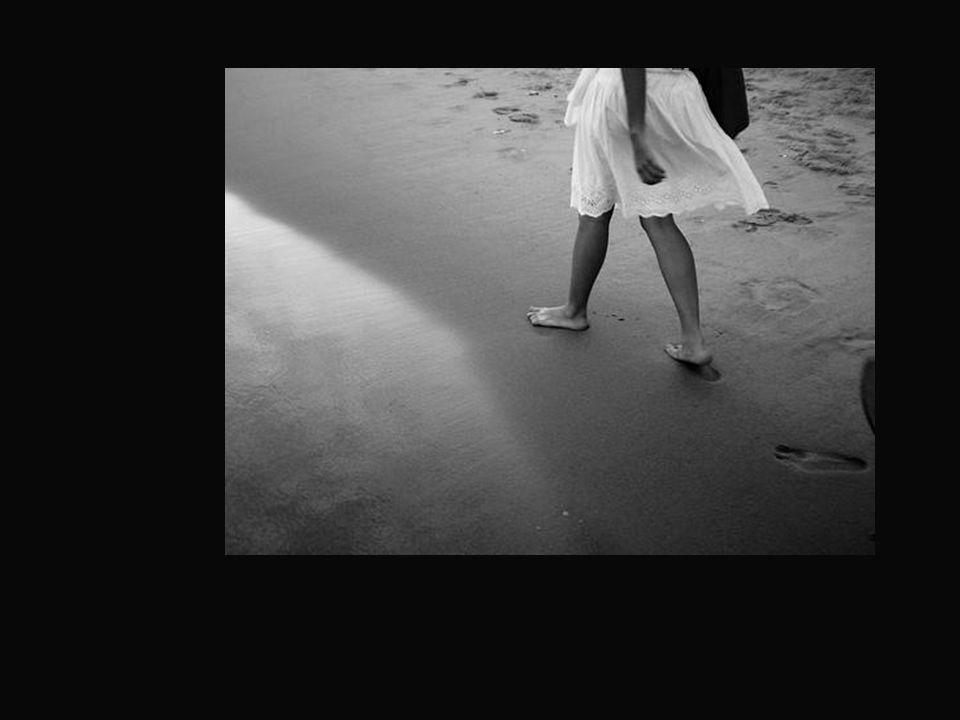 Os teus passos, para onde te conduzirão?... A vida terrena, esta curta caminhada.