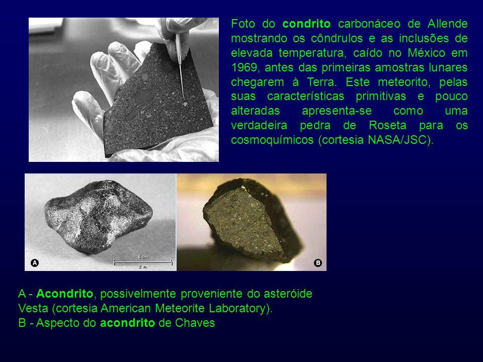Foto do condrito carbonáceo de Allende mostrando os côndrulos e as inclusões de elevada temperatura, caído no México em 1969, antes das primeiras amos