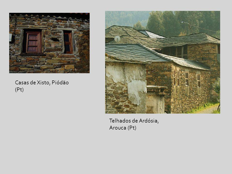 Casas de Xisto, Piódão (Pt) Telhados de Ardósia, Arouca (Pt)