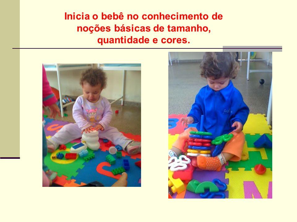 Empilhamento Estimula a exploração sensorial do bebê