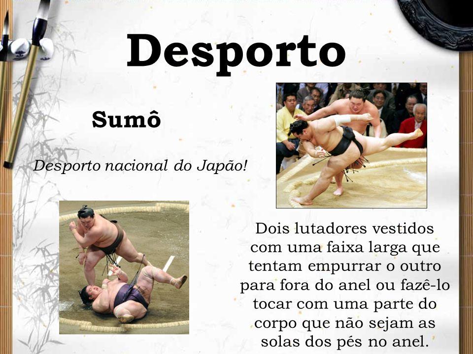 Desporto Sumô Desporto nacional do Japão! Dois lutadores vestidos com uma faixa larga que tentam empurrar o outro para fora do anel ou fazê-lo tocar c