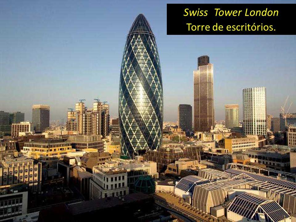 Torre de escritórios. Swiss Tower London