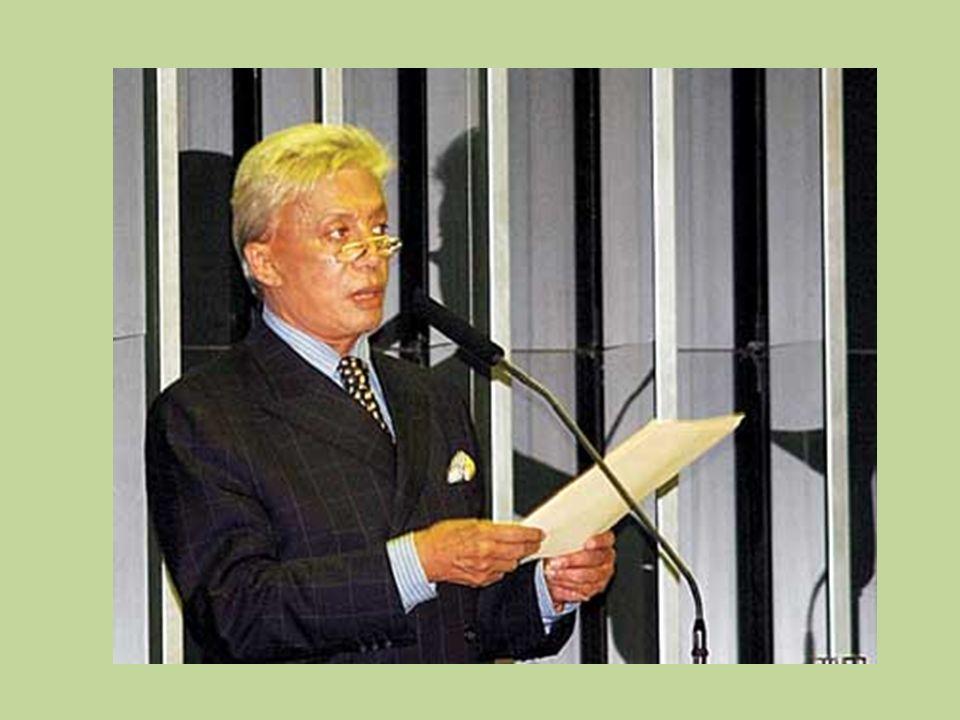 Em 2006 entrou para a política após candidatar-se e eleger-se deputado federal pelo Partido Trabalhista Cristão (PTC), possuindo inclusive o terceiro
