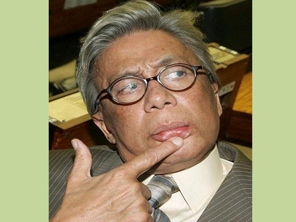 Com mais de quarenta anos trabalhando na televisão, foi apresentador de inúmeros programas em diversas emissoras. Após sua demissão da emissora RedeTV