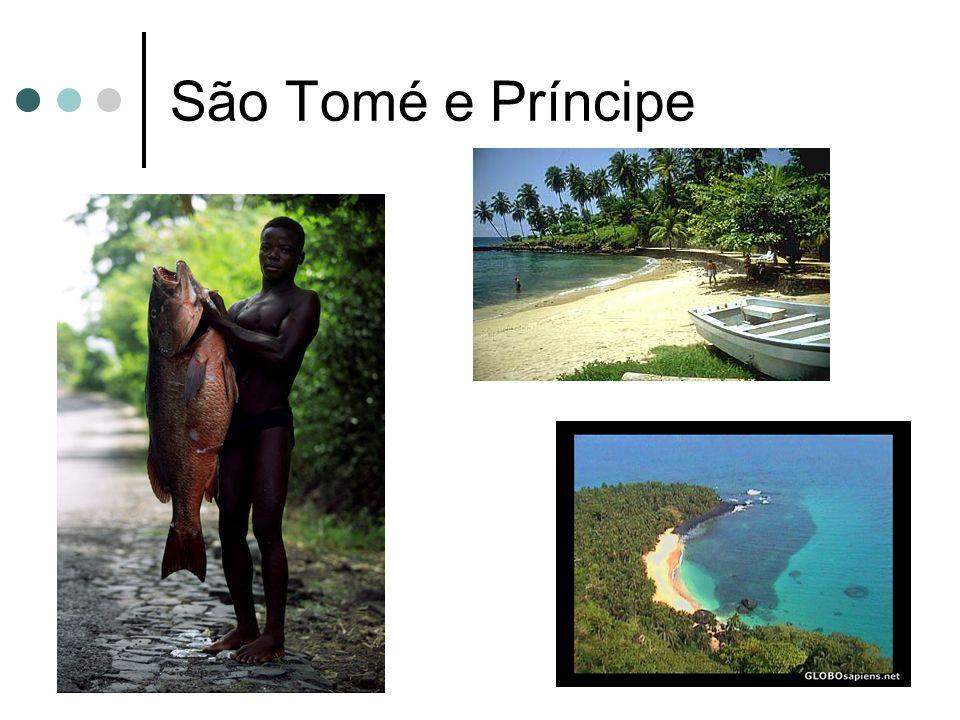É o menor país africano lusófono; Possui cerca de 160000 habitantes; É um país formado por duas ilhas.