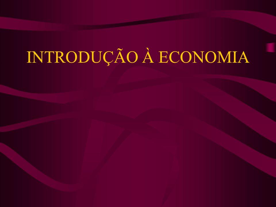 ASPECTOS GERAIS: CONCEITO: Economia pode ser definida como uma ciência social que estuda como o indivíduo e a sociedade decidem utilizar de forma racional recursos produtivos escassoz, na produção de bens e serviços, de modo a distribuí-los entre as várias pessoas e grupos da sociedade, com a finalidade de satisfazer as necessidades humanas ilimitadas; Origem do termo: Economia vem do grego oikos (casa) e nomos (norma, lei), ou seja, administração da casa.