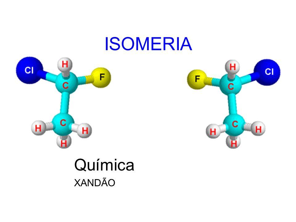 ISOMERIA GEOMÉTRICA No segundo caso, os dois átomos de cloro estão em lados opostos do plano que divide a molécula.
