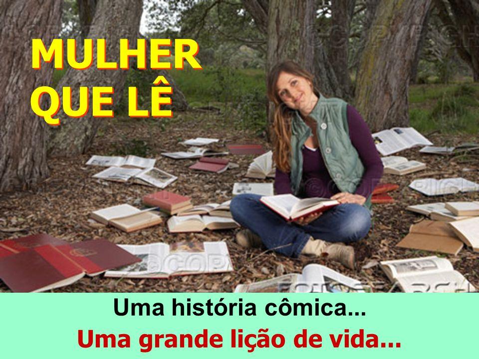 Material didático da Escola de Aprofundamento Teológico (EAT) de Fortaleza-CE, entregue como parte das comemorações do Dia Internacional da Mulher.