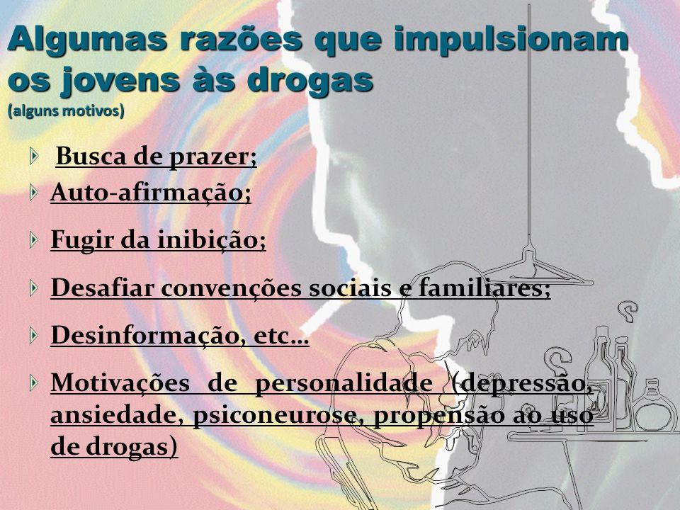 Alcoolista: pessoa que consome bebidas alcoólicas de forma excessiva, ao longo do tempo e torna-se dependente.