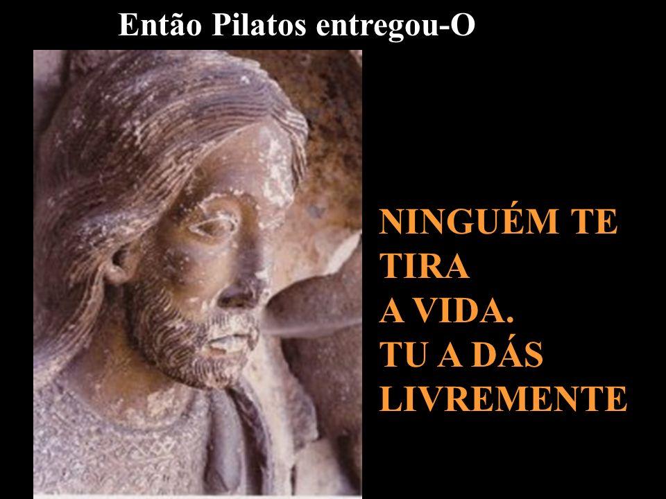 Pilatos sentou-se no Tribunal, no lugar chamado Litóstrotos Aqui os soldados te torturaram. Tu dás força aos outros que Te vão seguir ao longo dos séc