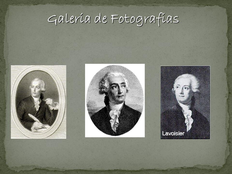 Lavoisier mediu cuidadosamente as massas de um sistema antes e depois de uma reação em recipientes fechados.
