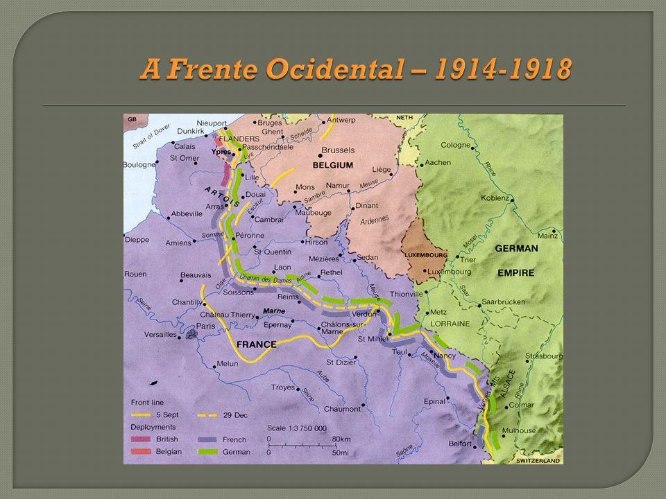 O tratado de Versalhes e o novo mapa político O tratado de Versalhes e o novo mapa político A conferência da paz preparou vários tratados, o mais importante dos quais seria o Tratado de Versalhes, com a Alemanha.