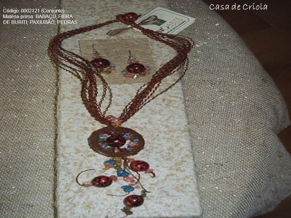 Casa de Criola Código: 0002121 (Conjunto) Matéria-prima: BABAÇÚ, FIBRA DE BURITI, PAXIUBÃO, PEDRAS