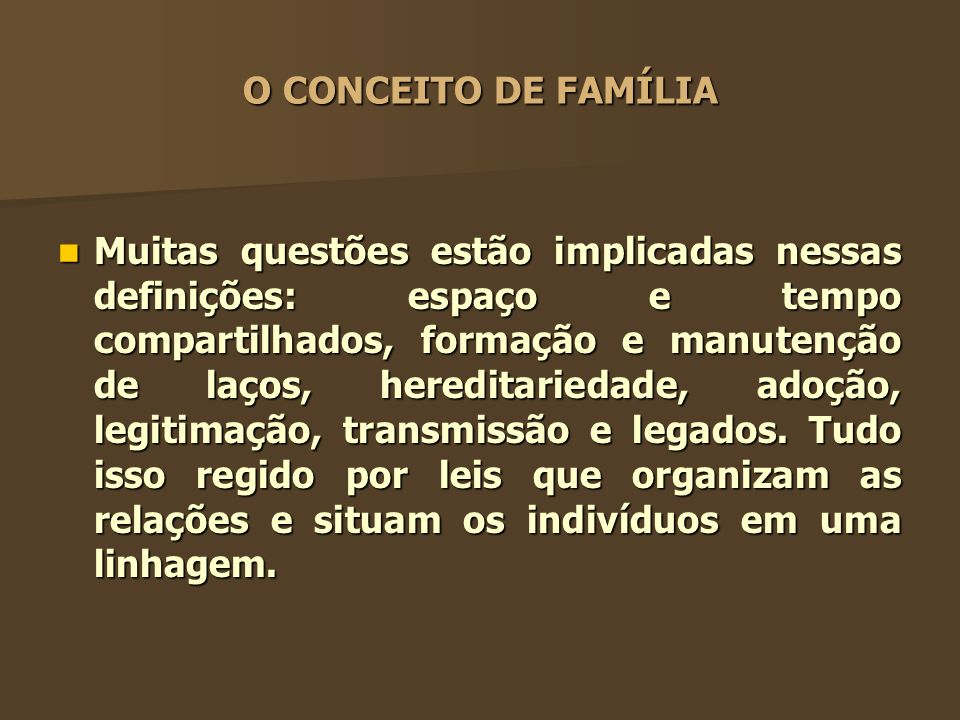 Mecanismos de defesa Cisões internas familiares: a família se apresenta com grupos tidos como bons e maus.