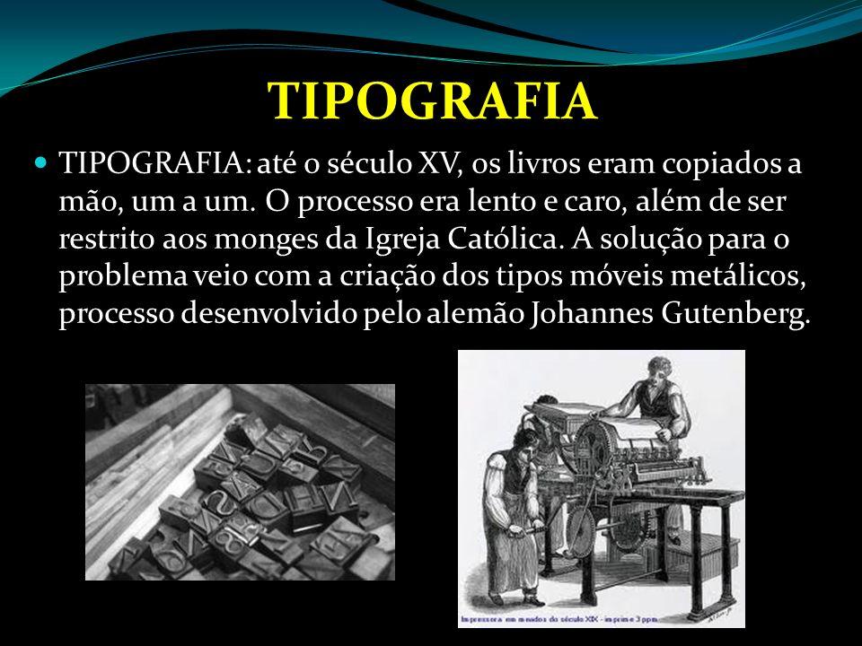 ACADEMIAS E LICEUS Até o século XIV, as universidades, controladas pela Igreja, mantinham o método de estudo da Idade Média, baseado na memorização das velhas obras.