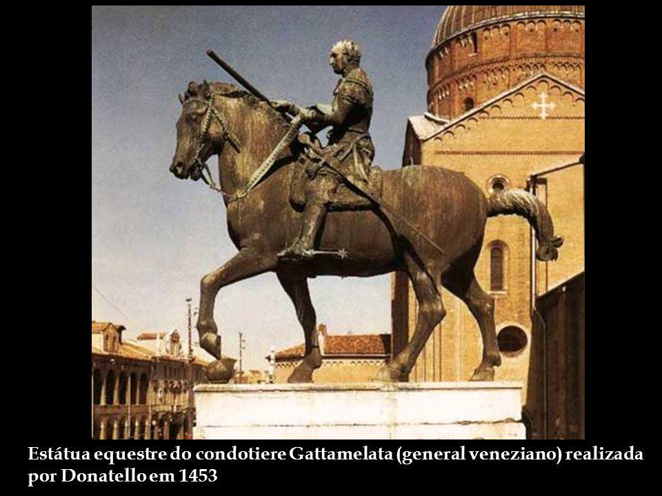 Basilica di SantAntonio - Chamada localmente de Il Santo. Sua construção foi iniciada em 1232 e após a morte do Santo a cidade tornou-se lugar de pere