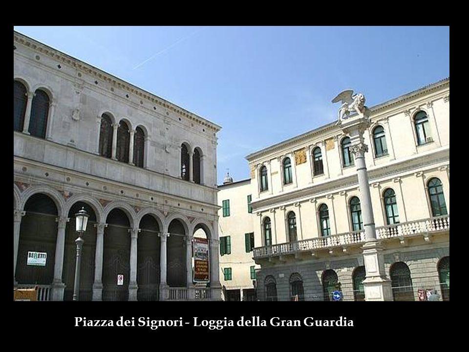 Piazza dei Signori –Palazzo del Capitano