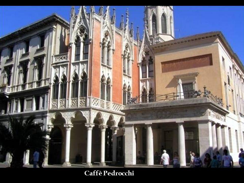 Caffè Pedrocchi- O mais antigo e tradicional ponto de encontro da cidade