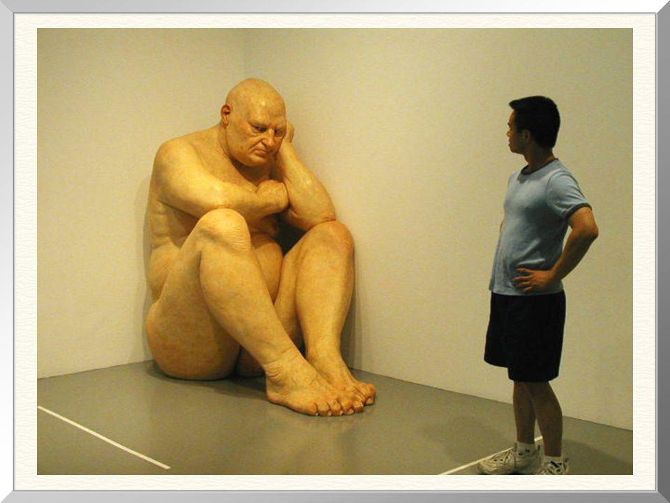 Big Man, 1998 ( 1,83m de altura) (1,83m di altezza) Segundo a crítica, este é, dentre as obras de Mueck, o mais perfeito retrato da solidão humana! #