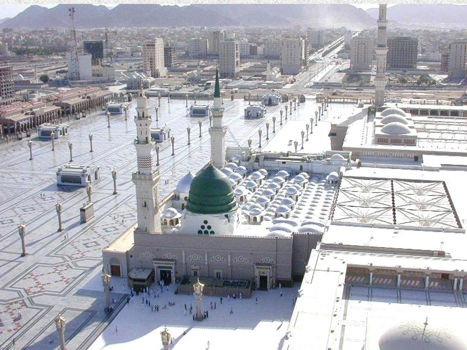 A peregrinação a Meca permite, afinal, o encontro da comunidade muçulmana mundial e é o símbolo de uma viagem ao interior de si mesmo.
