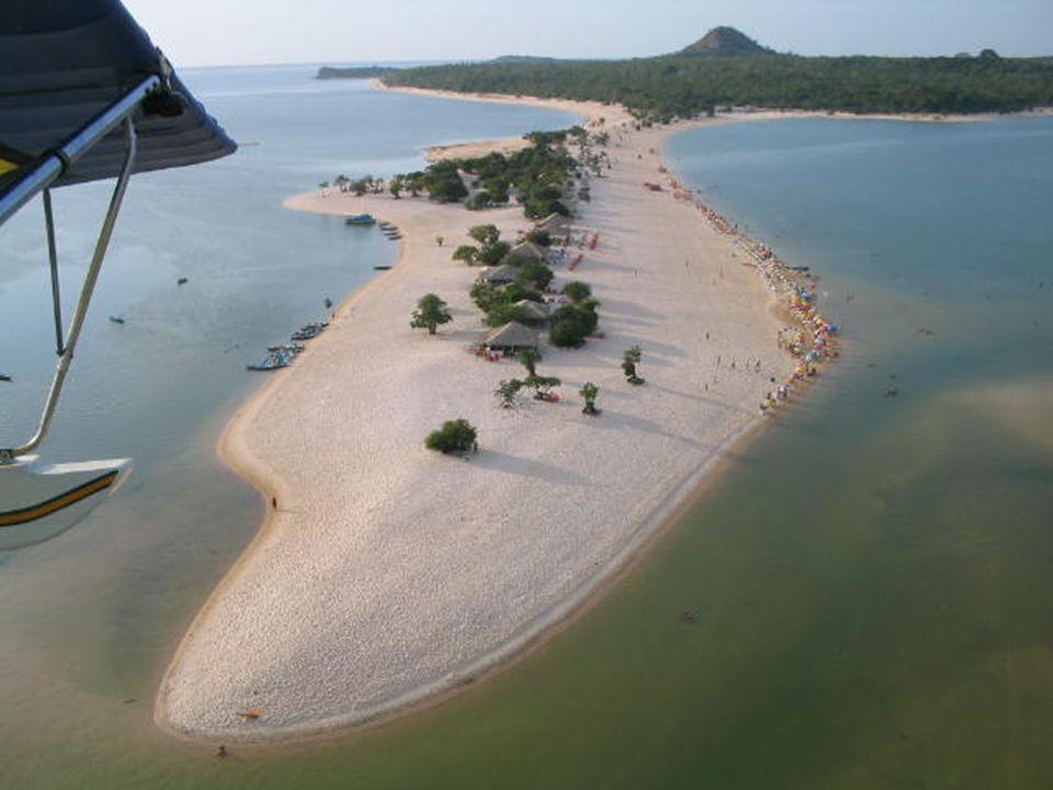ESTÁ AQUI MESMO, NO BRASIL. PRA QUEM NUNCA OUVIU FALAR EM PRAIA DE RIO. É NO RIO TAPAJOS. CHAMA-SE ALTER DO CHÃO - SANTARÉM - PARÁ. è in Brasile e per