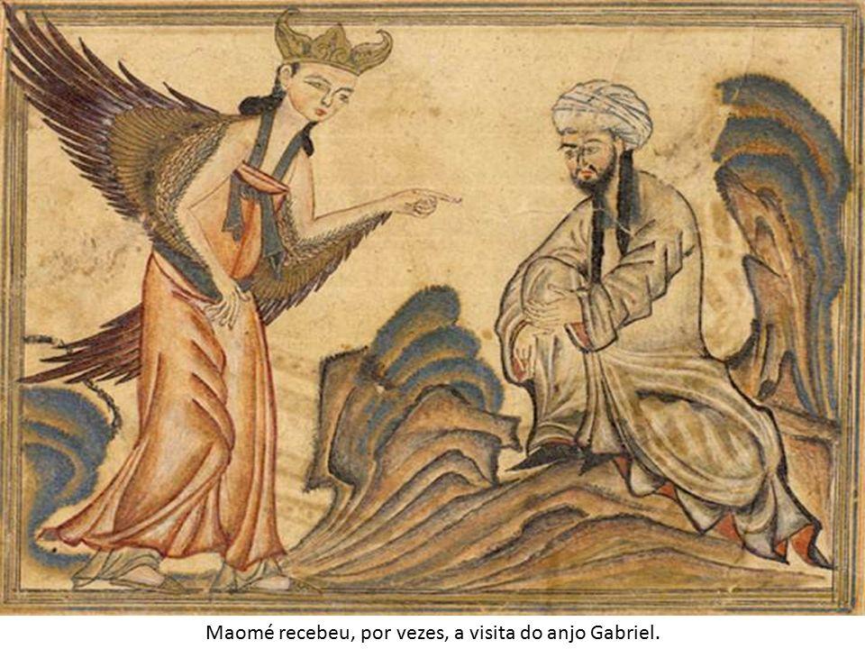 Maomé recebeu, por vezes, a visita do anjo Gabriel.