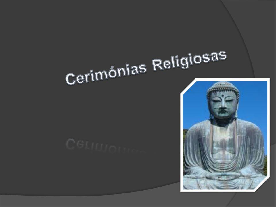 Nas cerimónias religiosas os budistas oferecem muitas coisas para Buda.