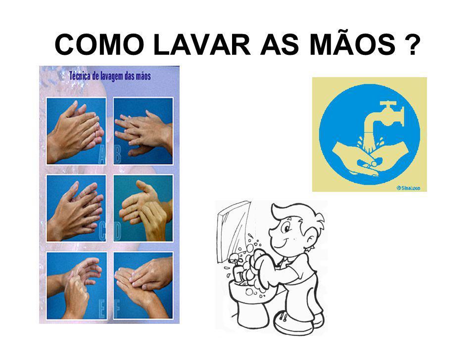 Molhe as mãos com água