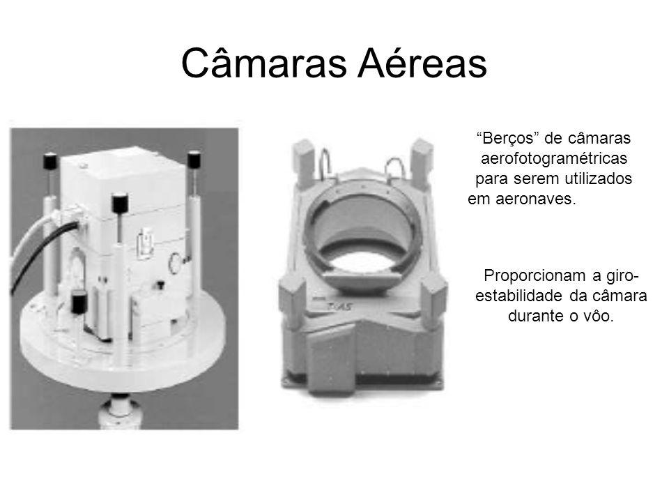 Câmaras Aéreas Berços de câmaras aerofotogramétricas para serem utilizados em aeronaves. Proporcionam a giro- estabilidade da câmara durante o vôo.
