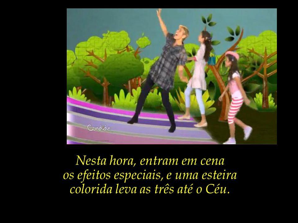 Xuxa diz que vai mostrar para as duas meninas algo muito mais legal e divertido.